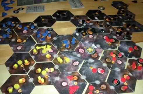 Eclipse, plansza w środku gry