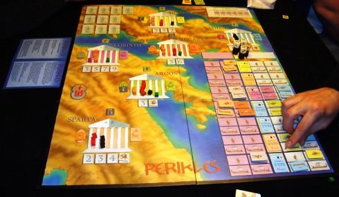 Faza rozstrzygania siedmiu bitew. Ciekawe, które miasta spłoną. źródlo: boardgamegeek.com, fot. Sentieiro