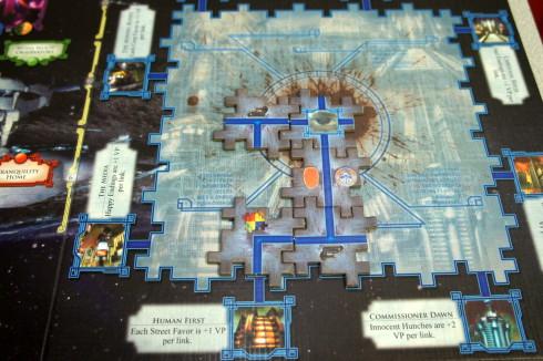 Jeśli ktoś się nudzi w czasie tur innych graczy może poukładać puzzle.