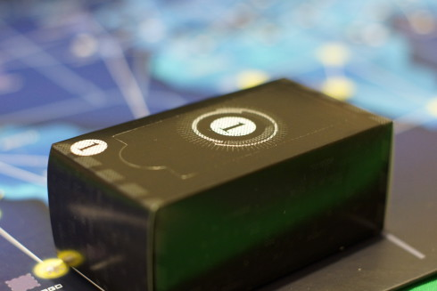 Tajemnicze czarne pudełko - wygląda prawie jak Internet z IT Crowd